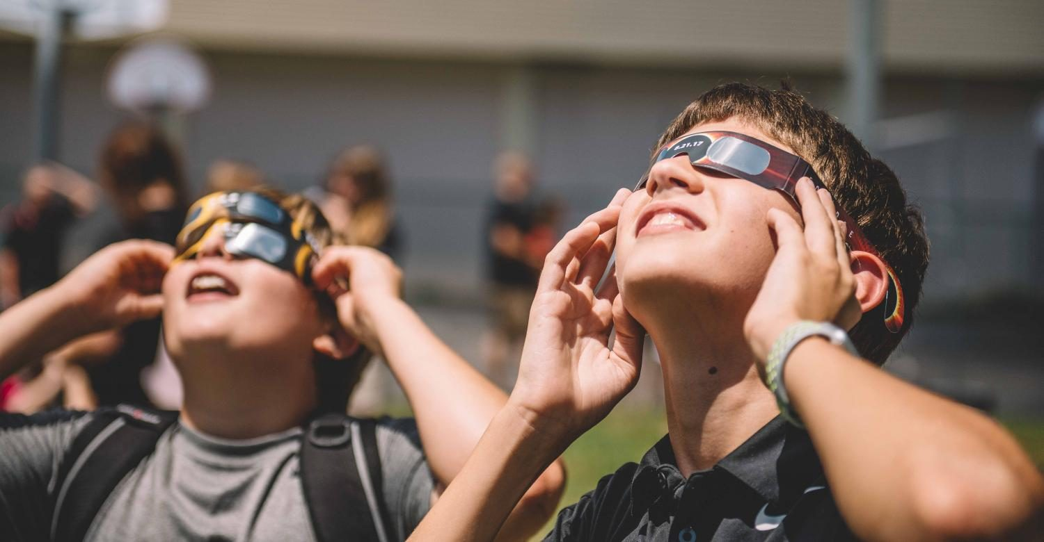 Trinity Takes Part in the 2017 Solar Eclipse Viewing!